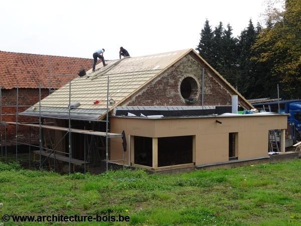 un jardin d 39 hiver dans une d pendance agricole architecture bois. Black Bedroom Furniture Sets. Home Design Ideas