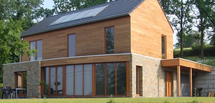 Maison bioclimatique sur terrain en pente