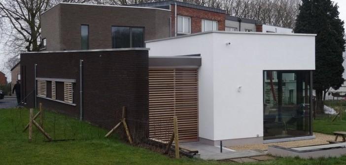 Maison de plein pied briques brune briques grise enduit isolé volets coulissant motorisés