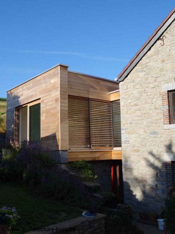 Ossature bois contre maison en pierre en hesbaye for Annexe maison
